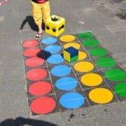 Twister op het schoolplein