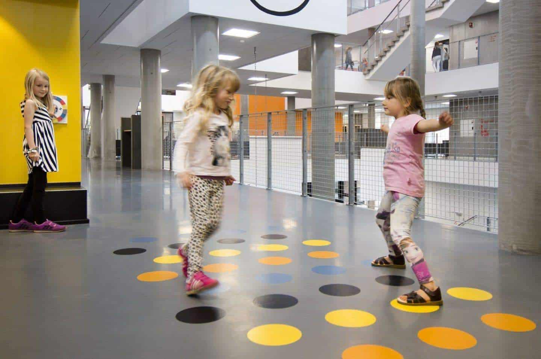 Meer bewegen op school - Speelplekken op de gang